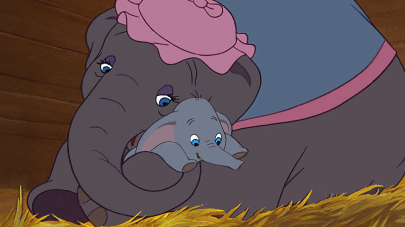 Funday - 10 Moments From Disney's Dumbo That Turned Us All Into Emotional Wrecks! - Thumb