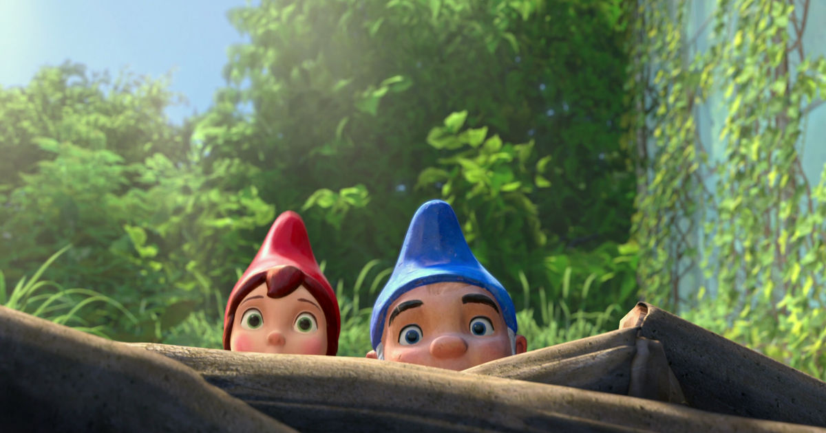 Funday - 10 Struggles Of Being A Tiny Person, According To Gnomeo And Juliet! - 1004