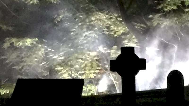 Shadowhunters - [EXCLUSIVE VIDEO] On Set With Shadowhunters: Late Night Cemetery Shoot - Thumb