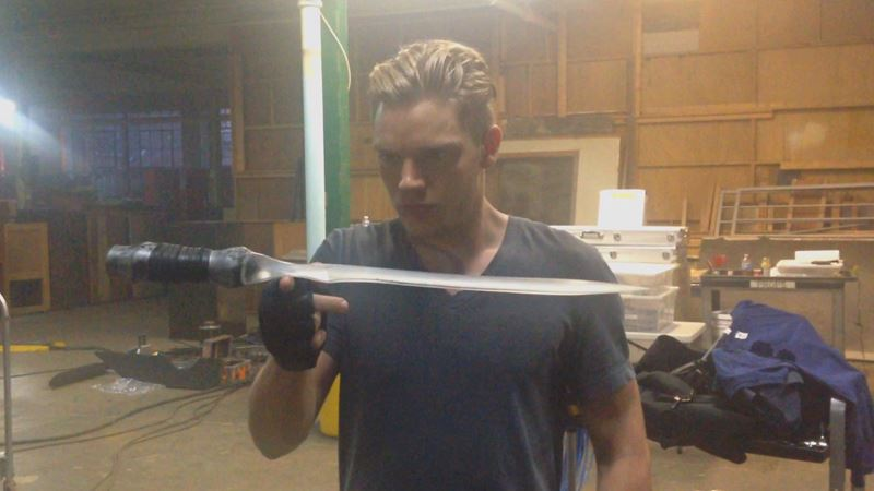 Shadowhunters - [EXCLUSIVE VIDEO] Just How Seraph Savvy Is Dom?  - Thumb