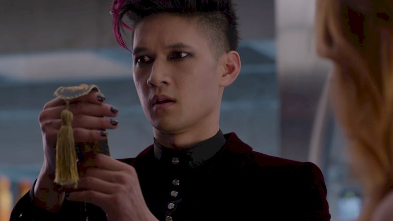 Shadowhunters - Was Magnus Right? Is Warlock Tracking The Most Powerful Form of Tracking? - Thumb