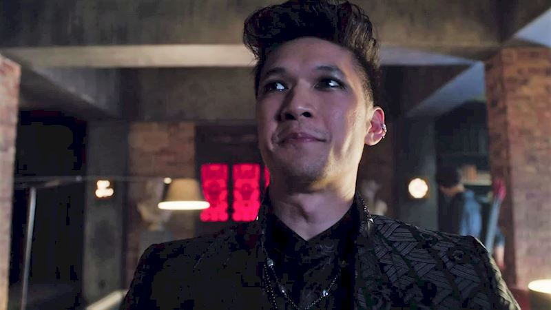 Shadowhunters - Which Nickname Is The Best? Swipe Right To Pick Your Fave! - Up Next Thumb