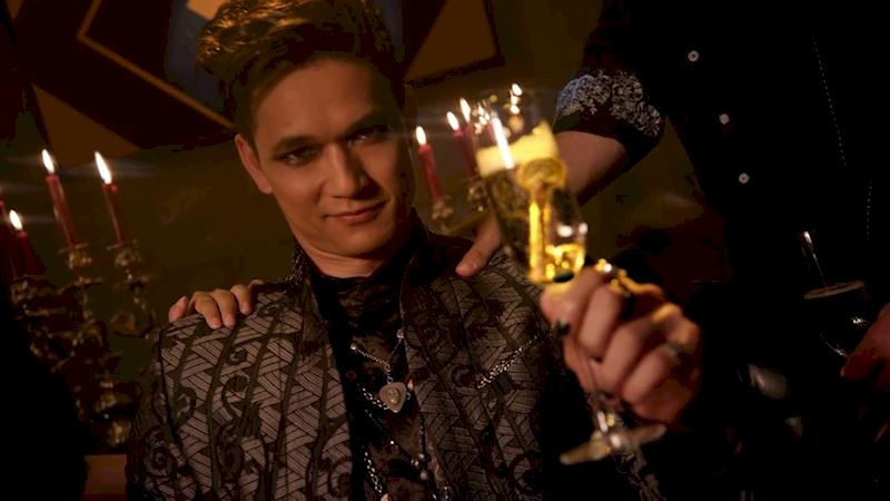 Shadowhunters - Cassie Clare Is Writing An Adult Series About Magnus Bane! This Is Really Happening! - Thumb