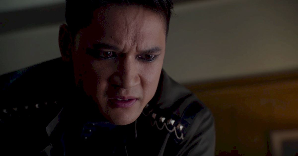 Shadowhunters - You Know Magnus Bane Is Angry When... - 1020