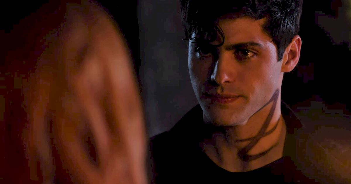 Shadowhunters - 36 Reasons To Love Alec Lightwood Even More Than You Already Do! - 1004