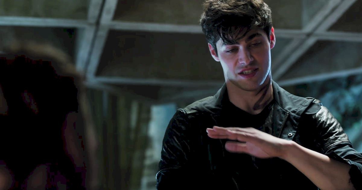 Shadowhunters - 36 Reasons To Love Alec Lightwood Even More Than You Already Do! - 1002