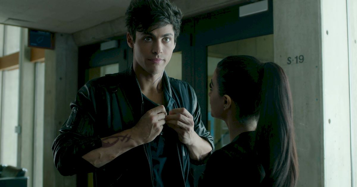 Shadowhunters - 36 Reasons To Love Alec Lightwood Even More Than You Already Do! - 1019