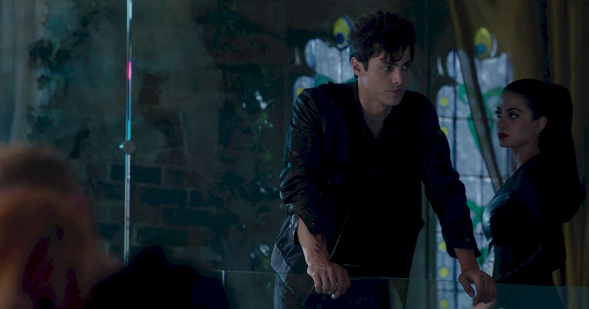 Shadowhunters - 36 Reasons To Love Alec Lightwood Even More Than You Already Do! - 1020