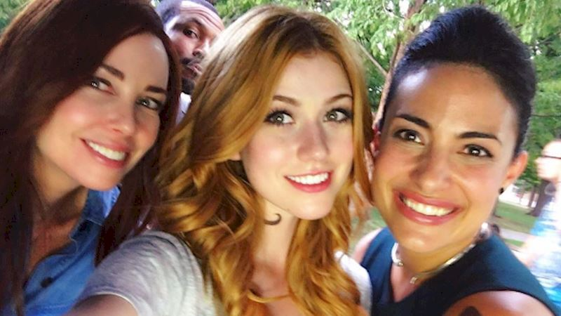 Shadowhunters - 10 Unreal Cast Moments You'd Hate To Miss This Week! - Thumb