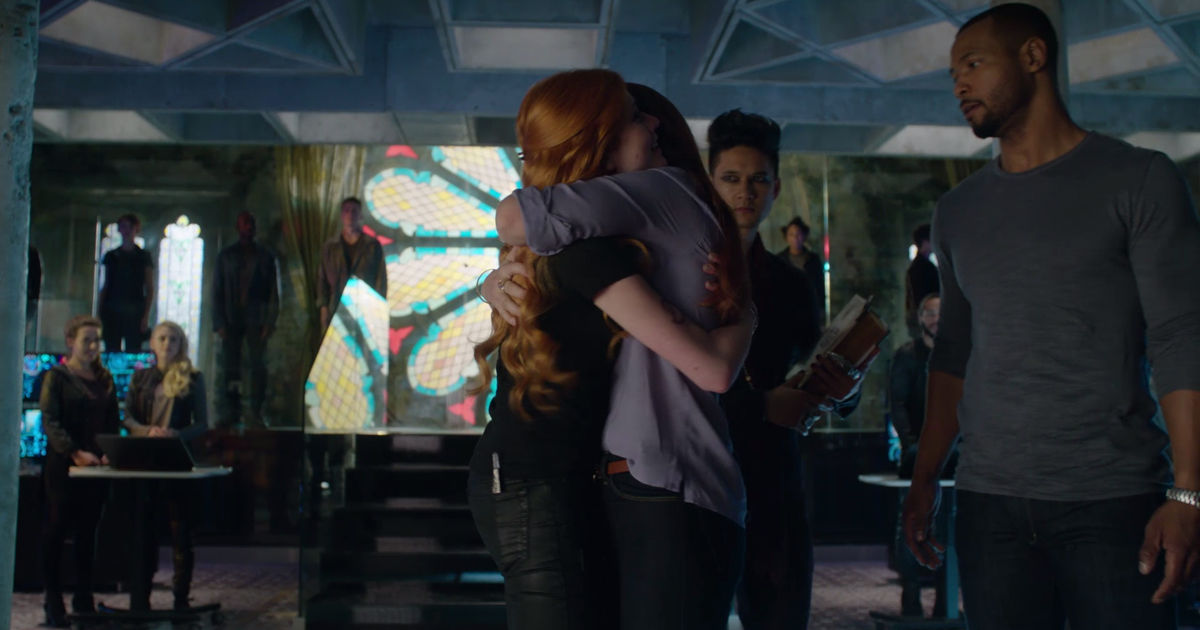 Shadowhunters - 19 Reasons Clary Was So Lucky To Have Luke As Her Dad! - 1019