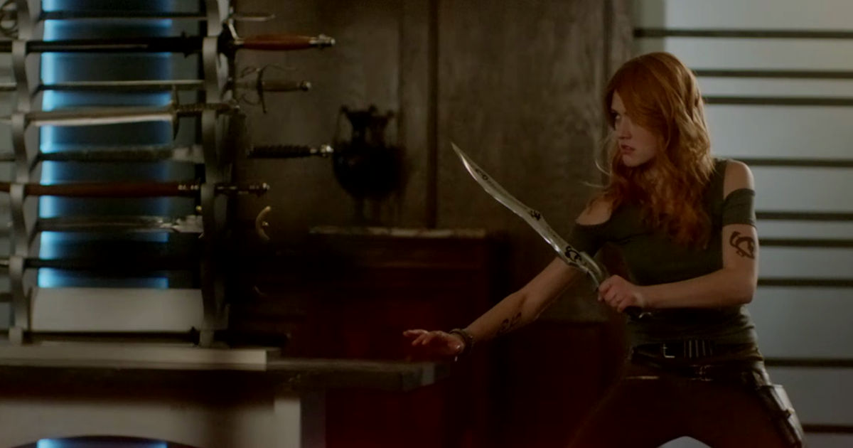 Shadowhunters - Season 2 Update: Clary Has Gone Rogue In This Brand New Trailer! - 1008