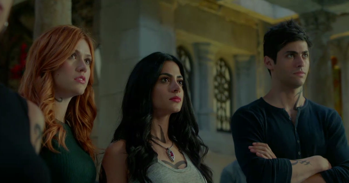 Shadowhunters - Season 2 Update: Clary Has Gone Rogue In This Brand New Trailer! - 1002