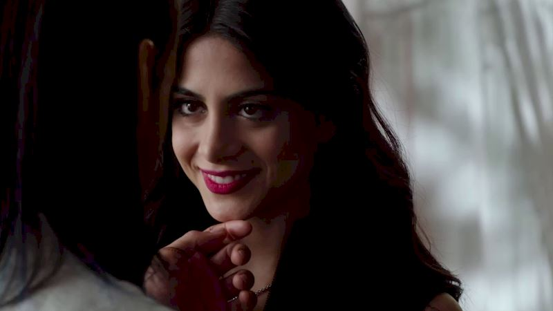 Shadowhunters - 9 Reasons Why Dating Would Be Way More Fun In The Shadow World - Thumb