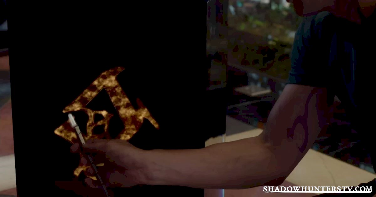 Shadowhunters - 18 Things You Might Have Missed From Episode Five! - 1001