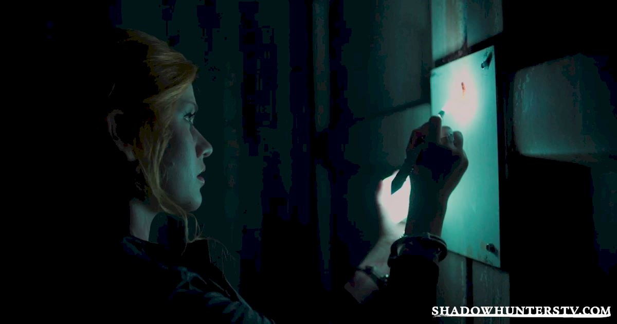 Shadowhunters - 18 Things You Might Have Missed From Episode Five! - 1015