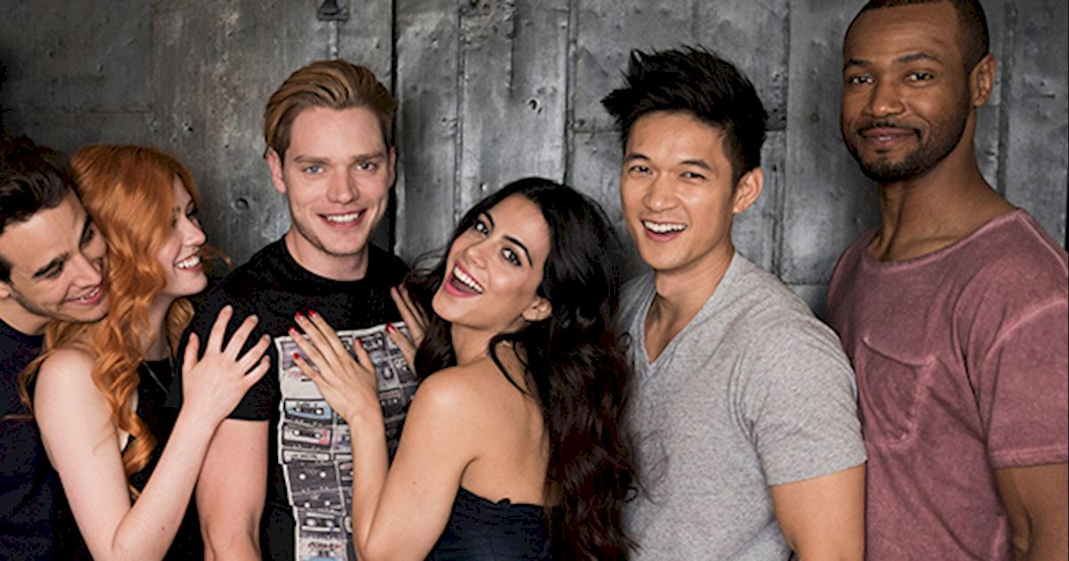 Shadowhunters - This Just In: Live Periscope Chat with Isaiah, Katherine and Harry tonight! - 1002