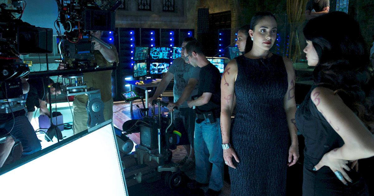 Shadowhunters - [PHOTOS] Episode 106: See How The Shadow World Was Brought To Life - 1010