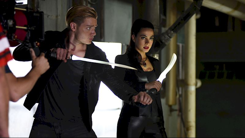 Shadowhunters - Exclusive Photos from Fandemonium Friday!  - Thumb