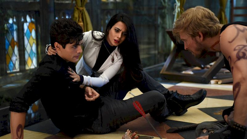 Shadowhunters - [PHOTOS] Incredible Photos From Episode Eight Of Shadowhunters! - Thumb