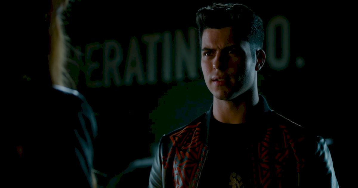 Shadowhunters - Episode 9: 30 Magical Moments You Might Have Missed! - 1025