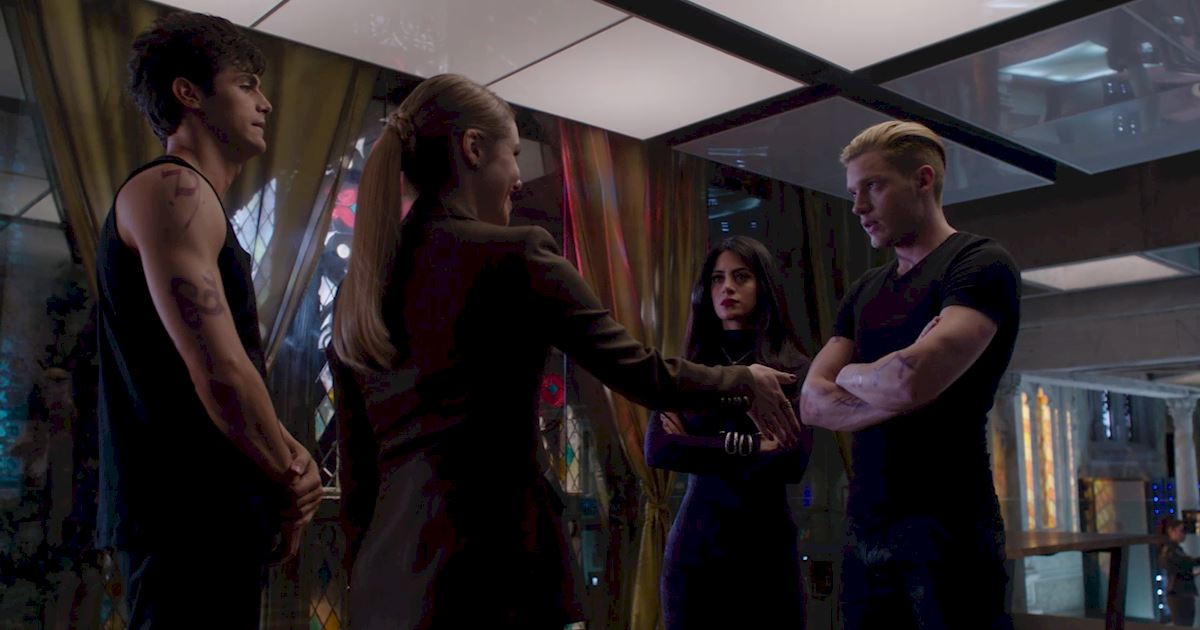 Shadowhunters - Episode 9: 30 Magical Moments You Might Have Missed! - 1017