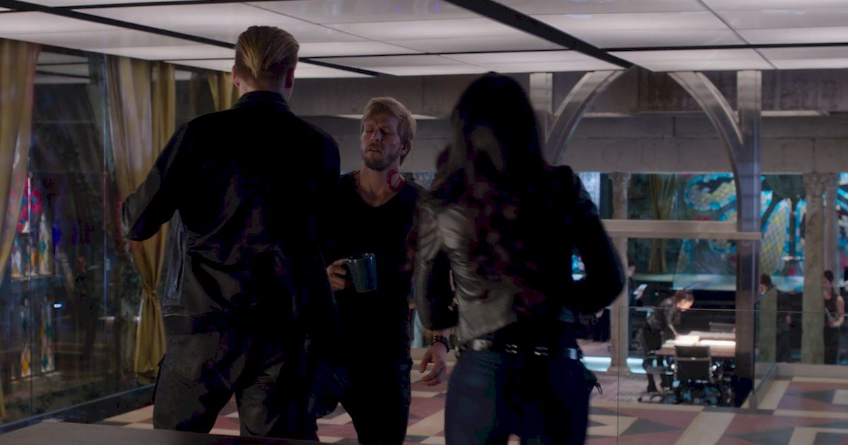Shadowhunters - Episode 9: 30 Magical Moments You Might Have Missed! - 1031