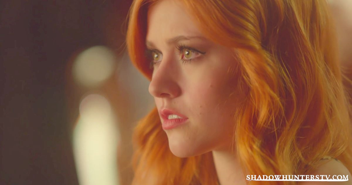 Shadowhunters - Episode 10 Sneak Peek: Magnus Tells Clary's Fortune, But Not All Is As It Seems... - 1012
