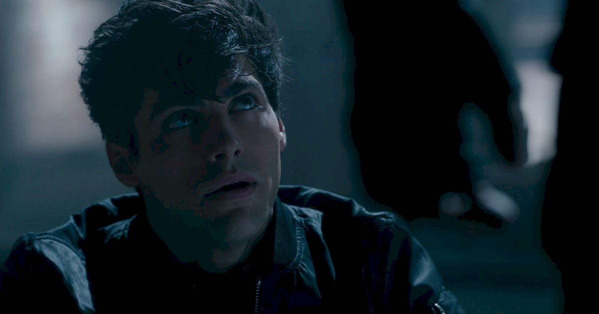 Shadowhunters - The 8 Emotional Stages Of Watching A Parabatai Fight! - 1004
