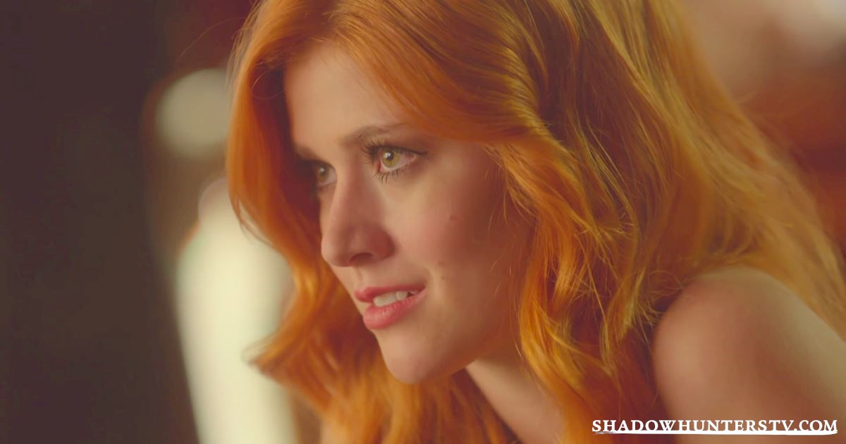 Shadowhunters - Episode 10 Sneak Peek: Magnus Tells Clary's Fortune, But Not All Is As It Seems... - 1010
