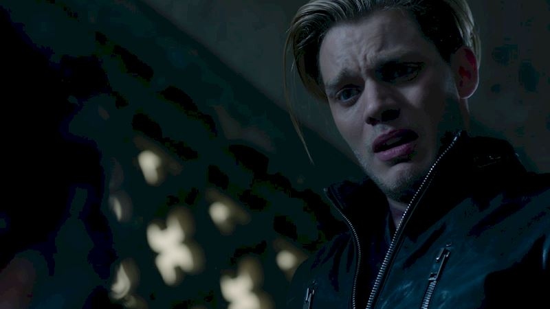 Shadowhunters - The 8 Emotional Stages Of Watching A Parabatai Fight! - Thumb
