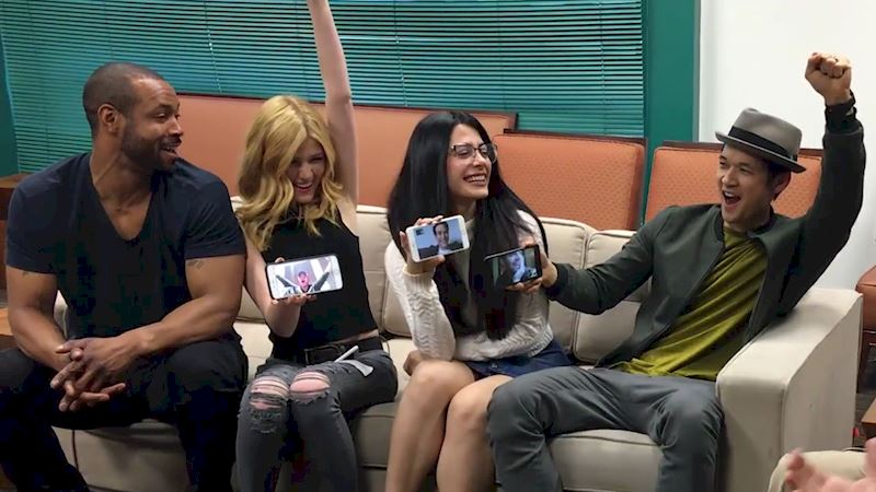 Shadowhunters - [EXCLUSIVE] Watch As The Shadowhunters Cast Finds Out There Will Be A Second Season! - Thumb