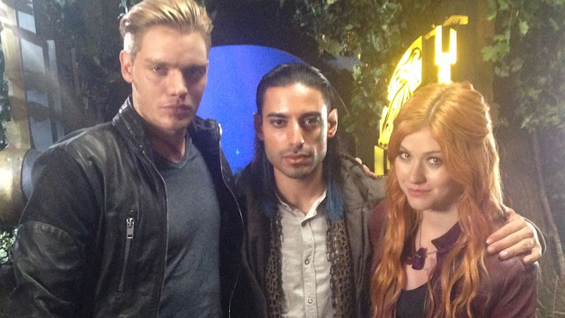 Shadowhunters - Behind The Scenes Photos From This World Inverted! - Thumb