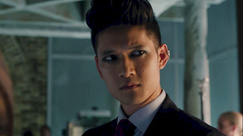 Shadowhunters - 13 Reasons You Want Magnus Bane As Your Lawyer! - Thumb