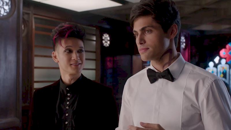 Shadowhunters - Exclusive Malec Photo From Tonight's Episode - Thumb
