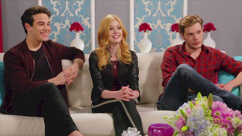 Shadowhunters - [VIDEO] Want to Watch Season One Again? The Shadowhunters Cast Tells You How! - Thumb