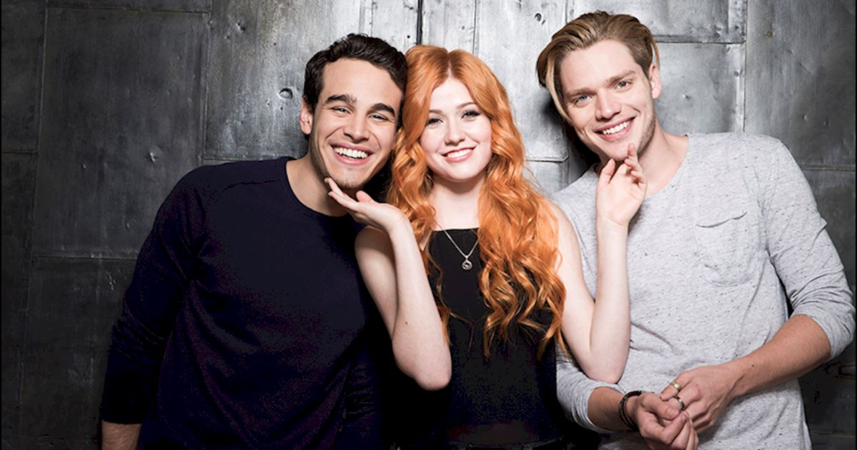 video want to watch season one again the shadowhunters cast tells you how. Black Bedroom Furniture Sets. Home Design Ideas