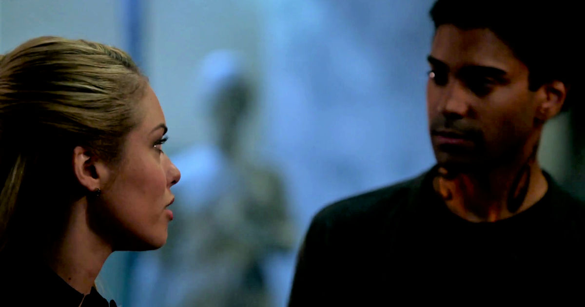 Shadowhunters - Izzy And Lydia Investigate A Mysterious Demon In This Thrilling S2E4 Sneak Peek! - 1011