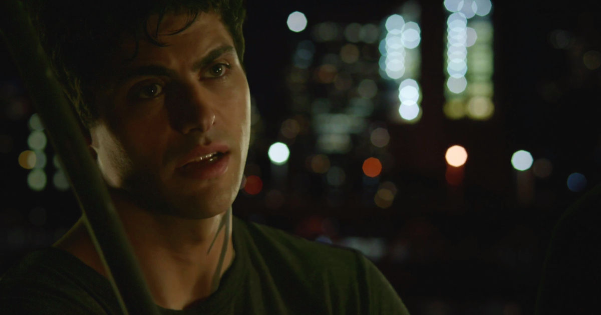 Shadowhunters - Magnus Finds A Heartbroken Alec On His Fire Escape In This  Sneak Peek Of S2E5!  - 1006