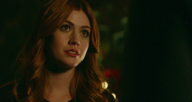 Shadowhunters - S2E5 Sneak Peek: Jace And Clary Argue About Bringing Jocelyn Back From The Dead! - 1005