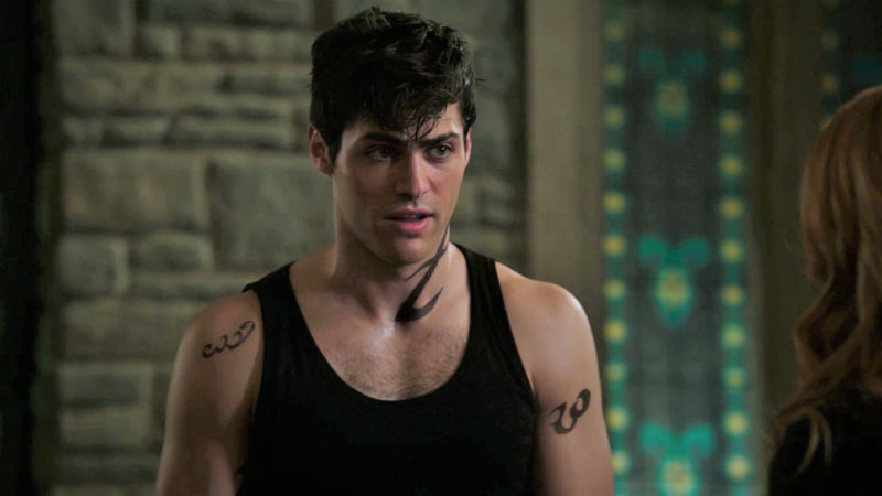 Shadowhunters - Alec And Clary Fight Over Who Loves Jace The Most In This Episode 2 Sneak Peek! - Thumb