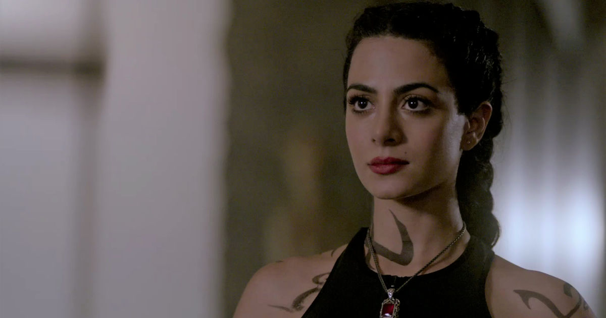 Shadowhunters - Join The Live Conversation With The Cast During Tonight's Episode! - 1005