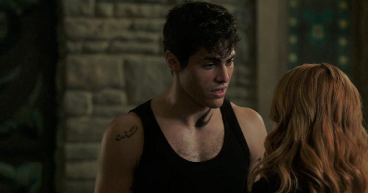 Shadowhunters - EXCLUSIVE: Get The Inside Scoop On Episode 202 From Writer Y. Shireen Razack! - 1008